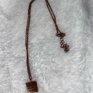 Small dainty necklace